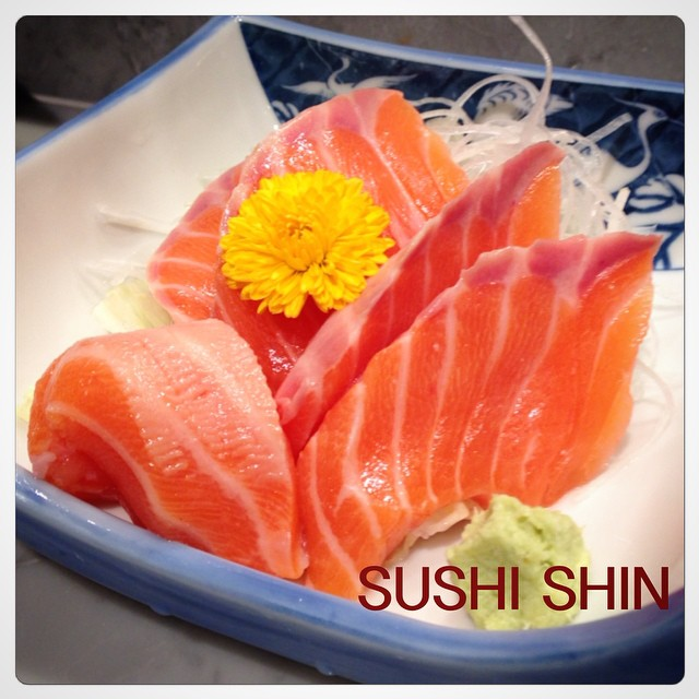 แซลมอนซาชิมิสักคำมั้ย-Sushi Shin(ซูชิชิน)